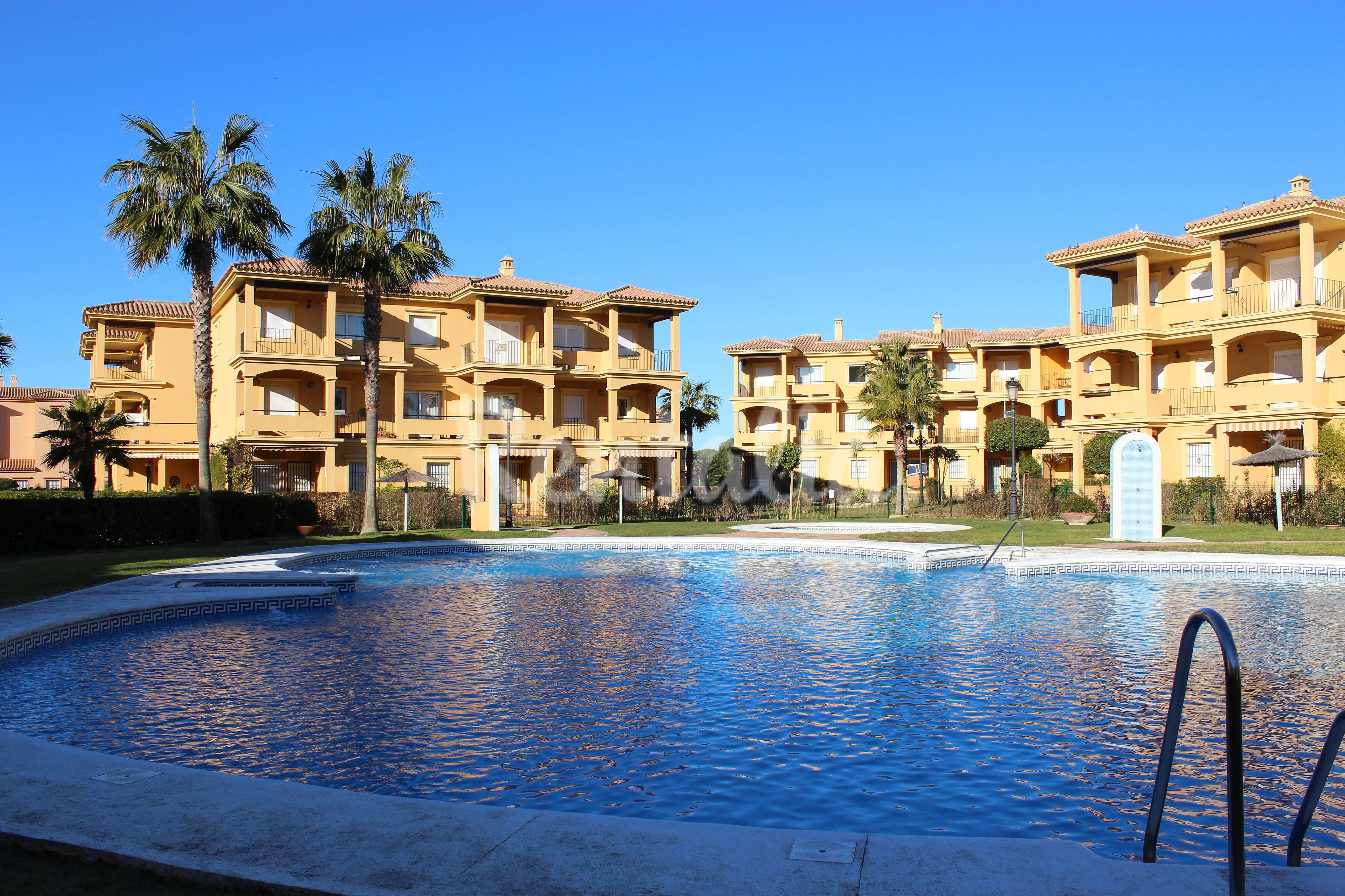 Apartamento de 2 habitaciones a 400 m de la playa sancti petri la barrosa chiclana de la - Apartamentos chiclana ...