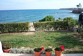 Casa de 2 habitaciones en 1a línea de playa Alicante