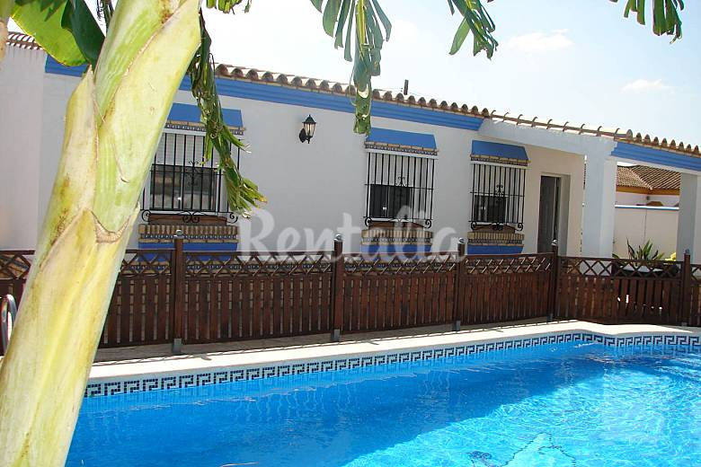 2 chalets conil de la frontera con piscina privada conil for Chalets con piscina privada para vacaciones