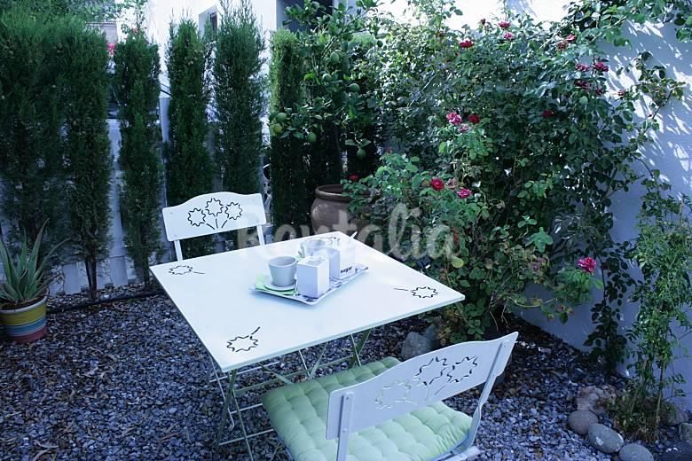 Casa para 4 5 personas barbacoa jacuzzi exterior for Jacuzzi exterior 4 personas