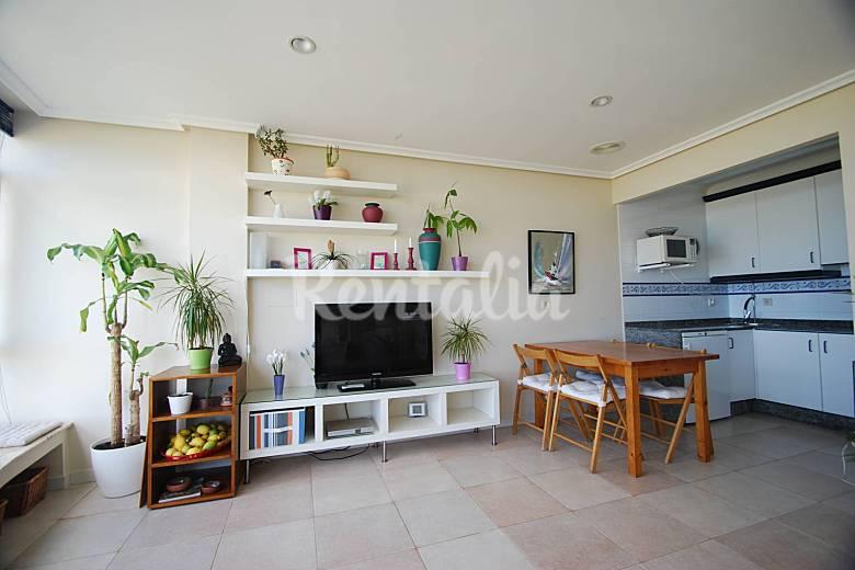Apartamento de 2 habs en 1 linea de playa san cosme de - Muebles para apartamentos de playa ...