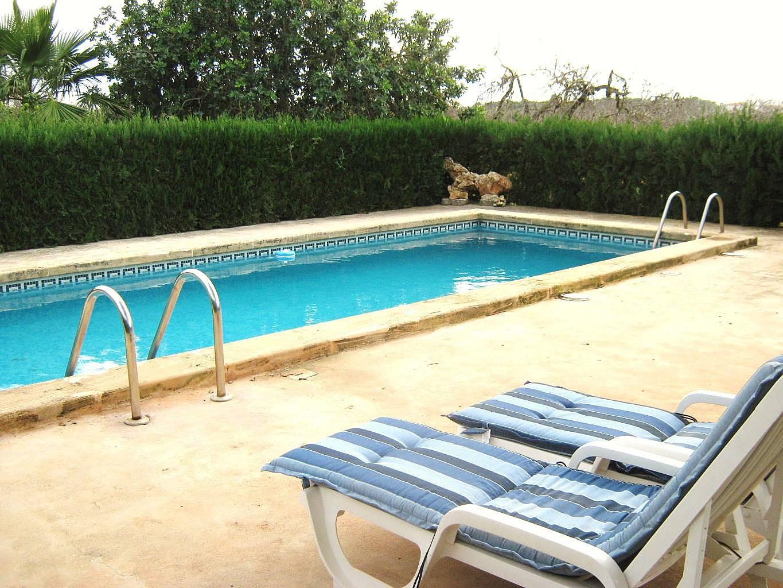 Casa de campo con piscina para 8 personas porto cristo for Piscinas para casas de campo