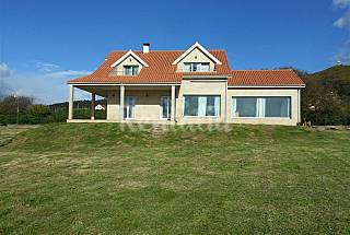 House with 5 bedrooms only 50 meters from the beach A Coruña