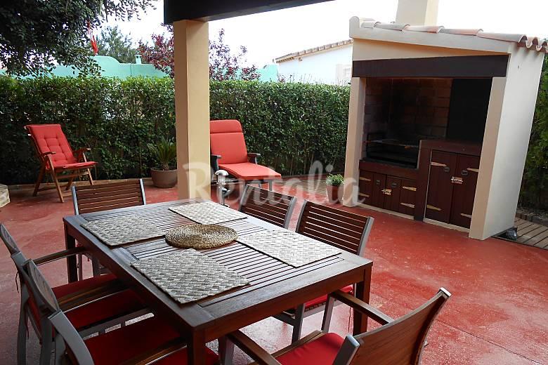 Villa con piscina porche terraza barbacoa jad n pe scola castell n castell n costa del - Terraza con barbacoa ...