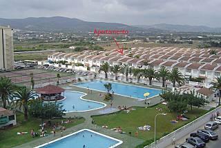 Bajo con gran terraza y 3 piscinas (200m playa) Castellón