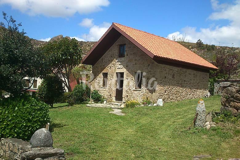 Casas de piedra en galicia elegant en santiago with casas for Casas con piscina en galicia