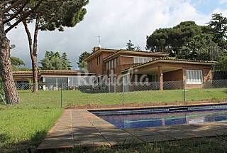 Villa with private garden near Barcelona Barcelona