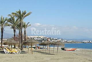 3 apartments for 2-12 people only 50 meters from the beach Málaga