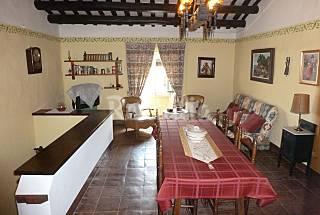 Casa de 2 habitaciones a 11 km de la playa Girona/Gerona