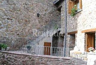 Located 15 Km from Cerler ski resort Huesca
