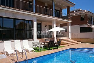 Casa Tere 5 Hab.5 B. 800 m  playa con piscina . Tarragona
