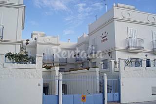A 50 m de la playa. A.Acond,4 zonaS wifi Cádiz
