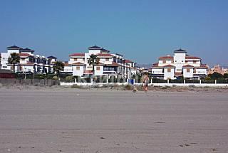 Primera línea de playa Almería