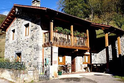 Casa de 4 habitaciones en entorno de montaña León