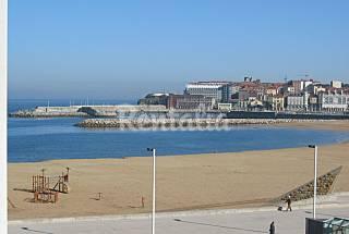 Primera línea de playa. Apartamento 5pax con WIFI Asturias