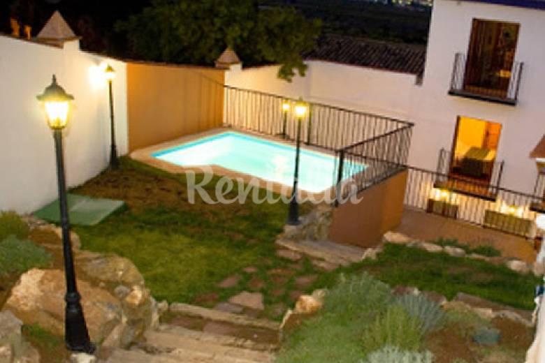 Casa en alquiler con piscina torres torres valencia for Apartamentos con piscina en valencia
