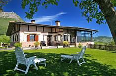 Casa de 4 habitaciones con jardín privado Vizcaya/Bizkaia