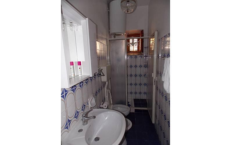 Wohnung f r 3 5 personen 2 km bis zum strand - Badezimmer franzosisch ...