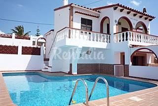 Chalet privado con piscina y terrazas para 6 pers. Menorca