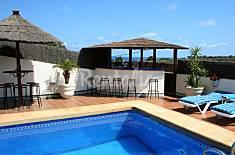 Casa con piscina climatizada, 350m de la playa Almería