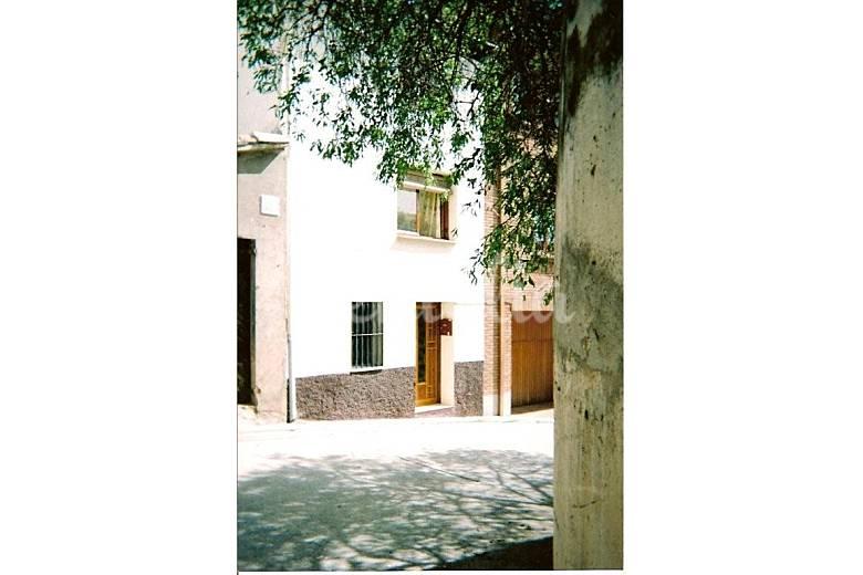 Casa en alquiler con piscina el grado huesca for Alquiler casas con piscina