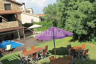 Villa para 8 16 pers 6 hab con piscina y wifi guadalix for Restaurantes con piscina en la sierra de madrid