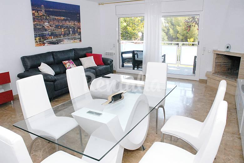 Lujosa casa con piscina y jardin a 5 minutos de la - Casa con jardin barcelona ...