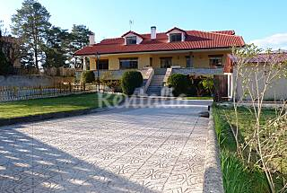House for rent with swimming pool Segovia