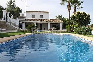 Villa de 3 habitaciones a 5 km de la playa Alicante