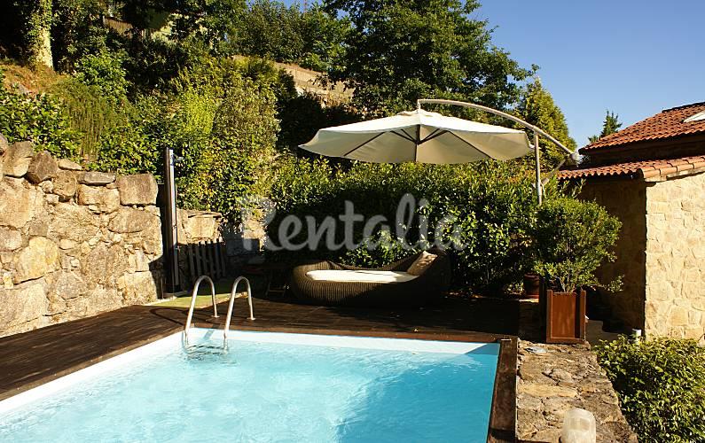 Casa con jard n y piscina vt 00063 santiago de - Piscina santiago de compostela ...