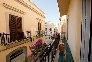 3 Appartamenti per 2-14 persone a 500 m dal mare Trapani