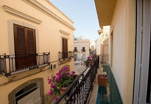 3 Apartamentos para 2-14 personas a 500 m de la playa Trapani