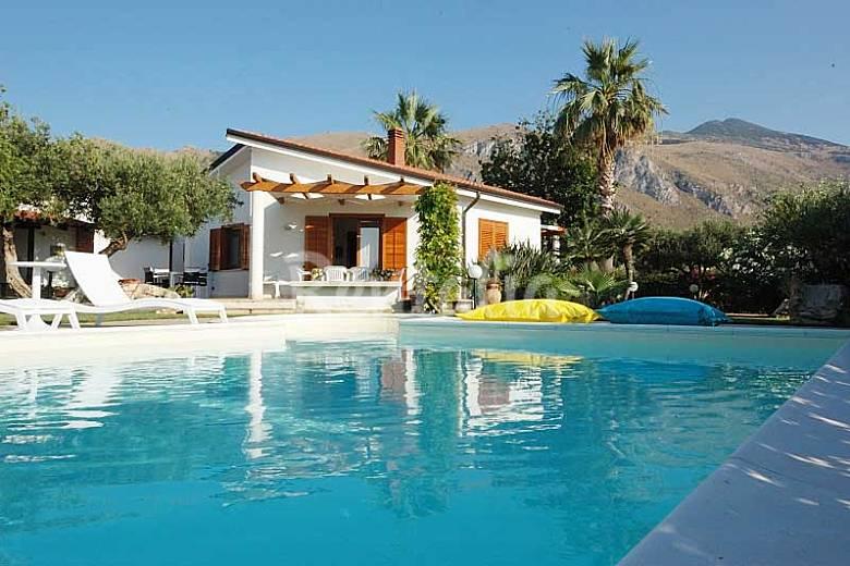 Villa voor 6 7 personen op 3 kilometer van het strand scopello castellammare del golfo - Buiten villa outs ...