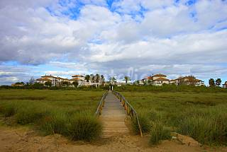 2 Apartments for 2-6 people on the beach front line Huelva
