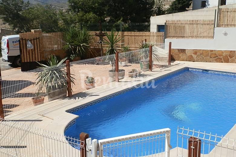 Casa de 5 habitaciones jardin y piscina privada hurona for Casa jardin murcia