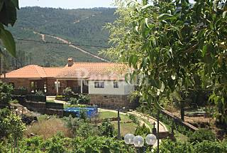 Villa for 5-6 people with swimming pool Braga