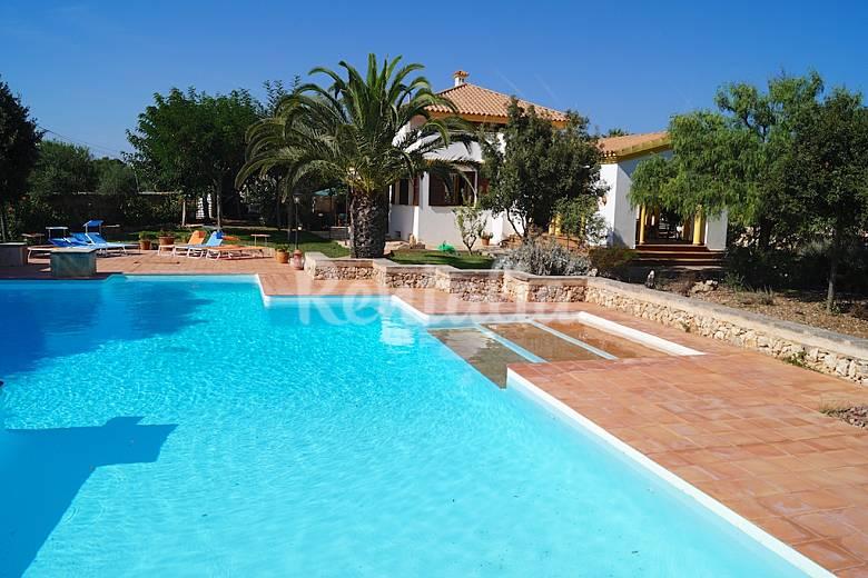 Villa de lujo para 8 12 personas a 500 m de la playa - Casas de lujo en menorca ...