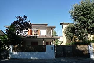Casa en alquiler a 700 m de la playa Lucca