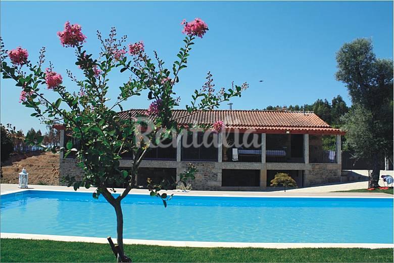 Casa en alquiler con piscina canedo de basto celorico for Apartamentos alquiler con piscina