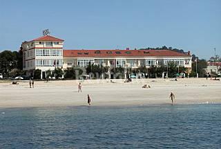 9 Hotel- Apartamentos Playa Pontevedra