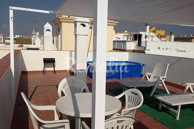 Piso atico vistas al mar y al y sanl car de barrameda c diz costa de la luz - Piscina terraza atico ...