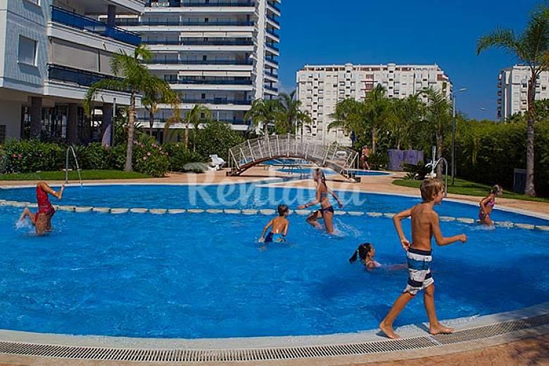 Eden resort complejo lujo con piscina climatizada for Piscinas publicas valencia