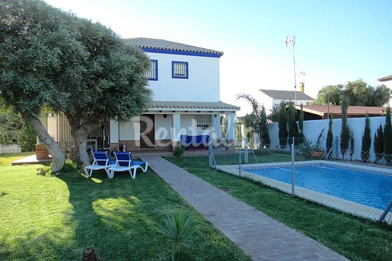 Casa con piscina privada parcela de 500 m2 zahora zahora barbate c diz costa de la luz - Casas rurales con piscina privada en cadiz ...