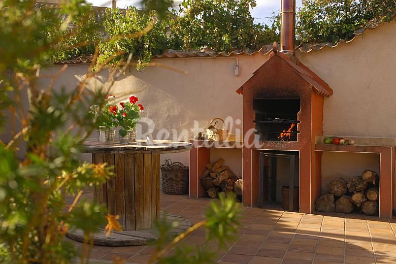 2 casas rurales con patio de 2 a 12 personas adanero - Casas rurales en galicia para 2 personas ...
