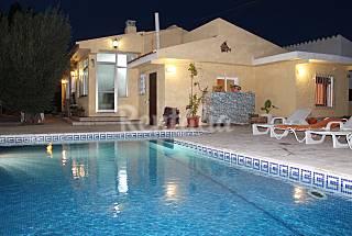Villa mit 4 Zimmern, 800 Meter bis zum Strand Tarragona