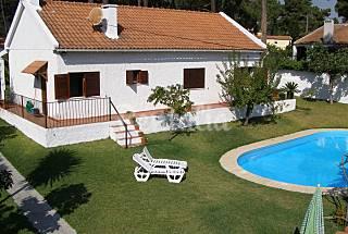 Casa (3 quartos) perto da praia e de Lisboa