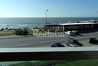 Apartment for 4 people on the beach front line Porto