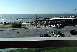 Apartamento de luxo p/ 4 pessoas em frente à praia Porto