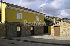 Maison en location à 1500 m de la plage Lugo