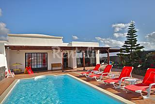 Villa Celeste: amplitude, colorful, light and luxu Lanzarote